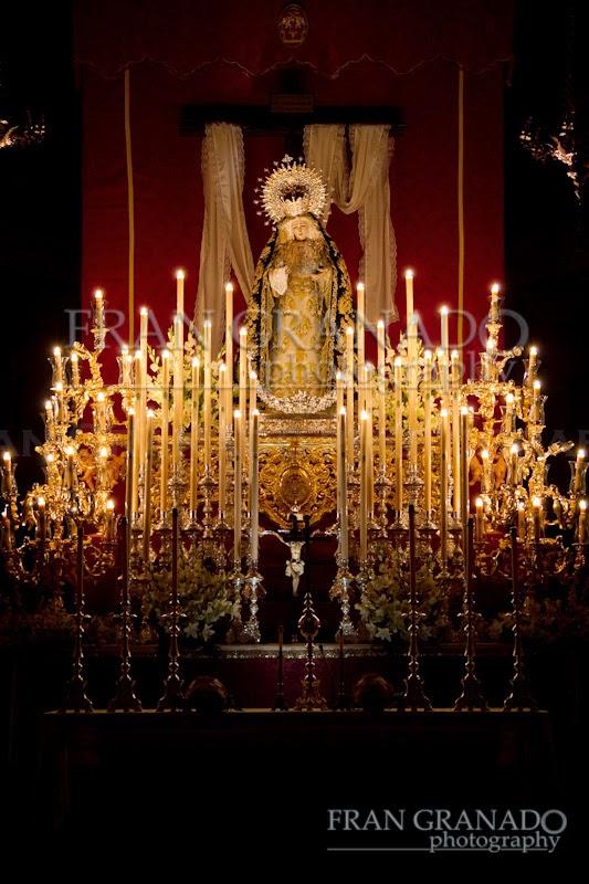 http://franciscogranadopatero35.blogspot.com/2014/10/un-altar-para-una-madre-triudo-virgen.html