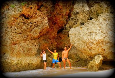 Batu Karang Di Pantai Balangan