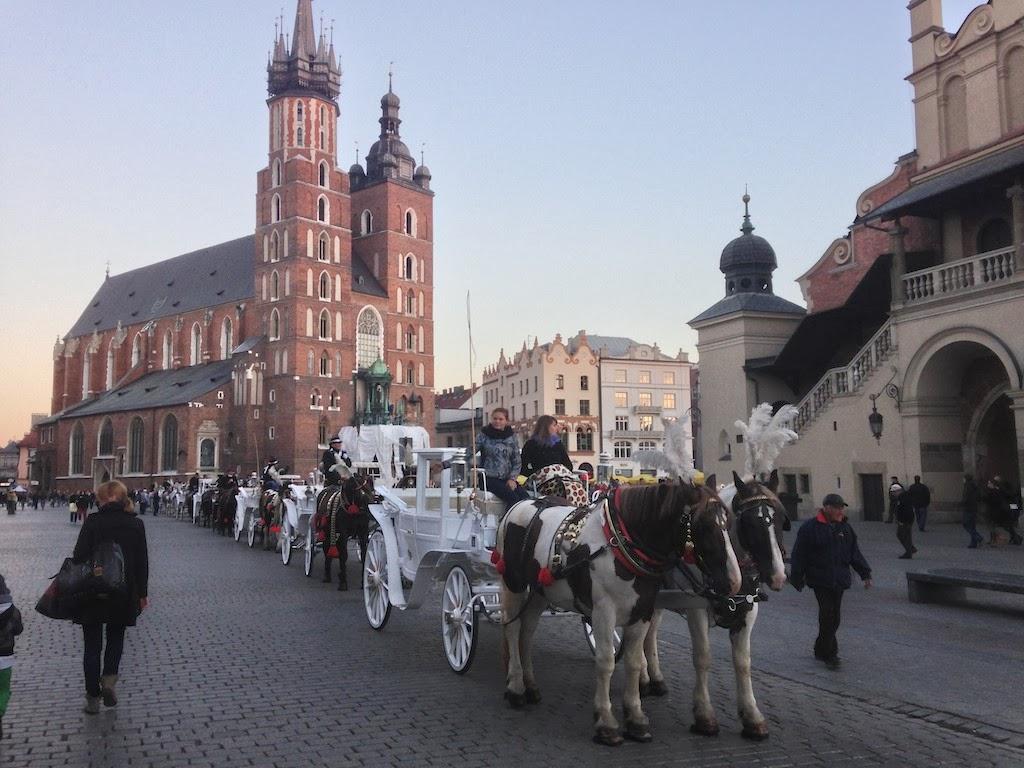 Обои cathedral, tram, Krakow, church, Poland, people, street. Города foto 9