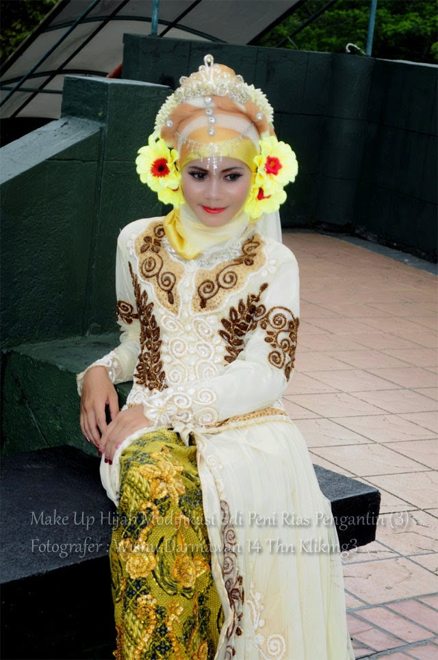 Make Up Hijab Modifikasi Edi Peni Rias Pengantin (3) - Fotografer : Wisnu Darmawan 14th Klikmg3