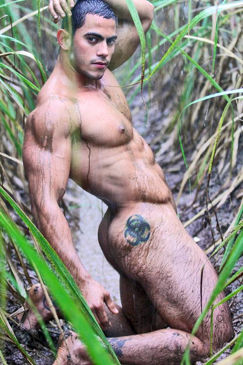 Ismael Duin, modelo sarado e pelado (14)