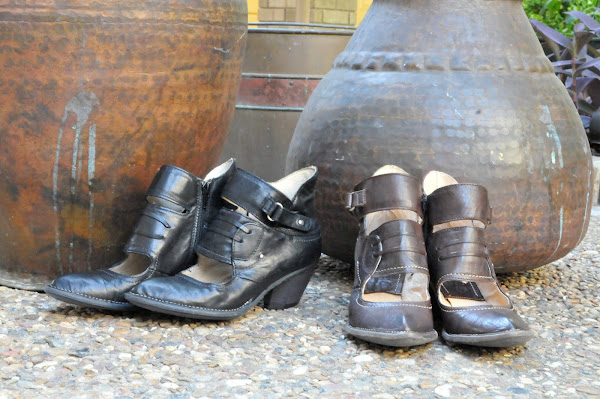 Italian boots in Black or Espresso