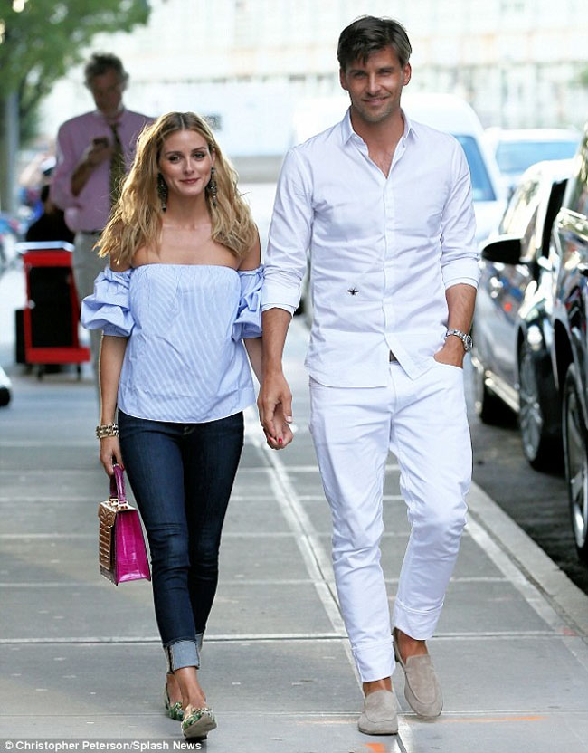 Olivia Palermo Johannes Huebl hold hands New York City
