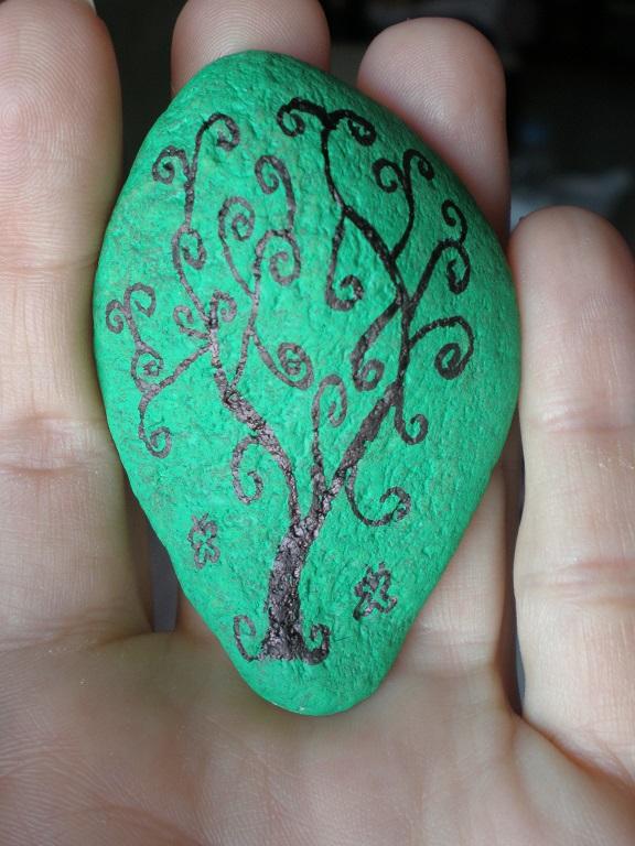 Rinconcito de hada nocturna dibujar en piedra - Dibujos de piedras ...