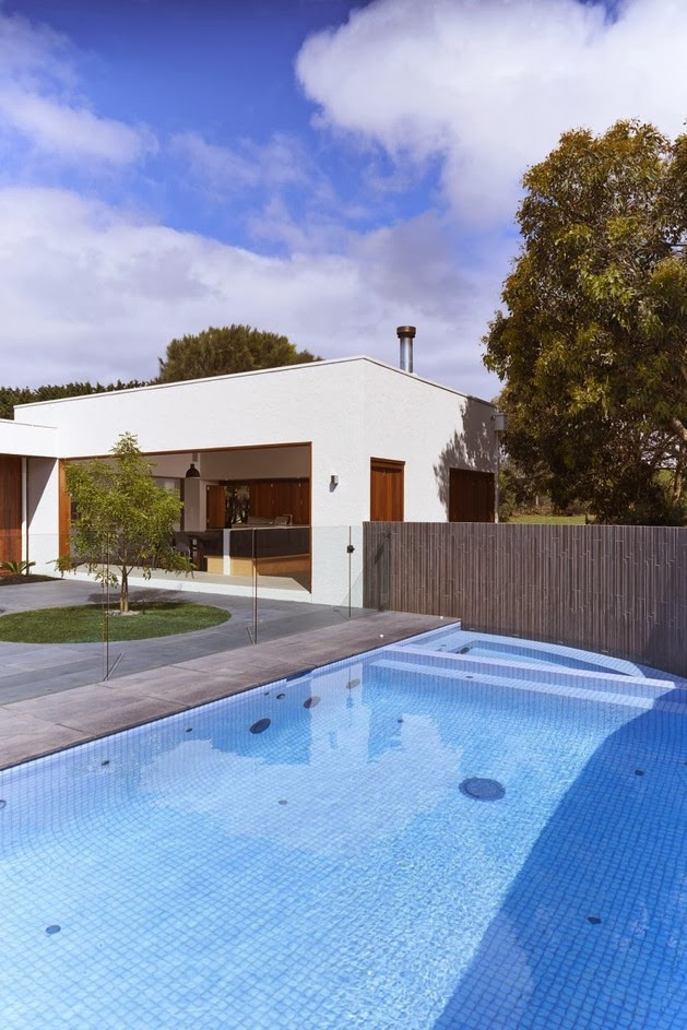Rumah Minimalis dengan Taman Hijau | Model Denah Rumah Minimalis