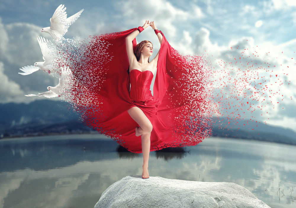 Only Time - Zar ptica Women+in+Red+with+Doves
