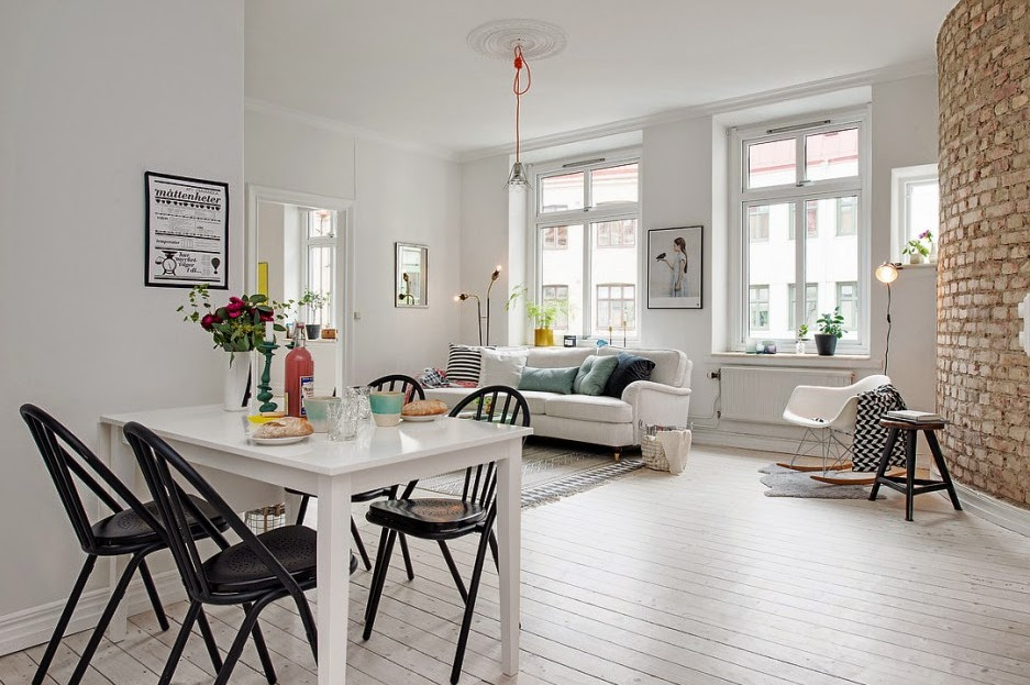 Una casa encantadora decorada en blanco