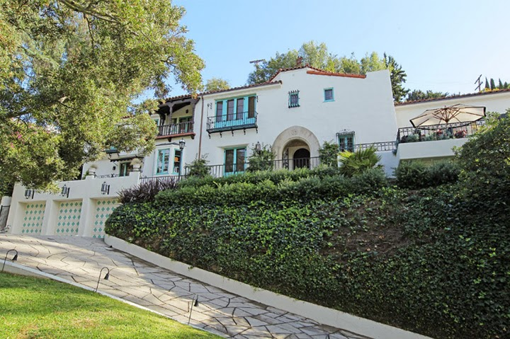 Celebrity homes jesse tyler ferguson buys los feliz casa for Celebrity houses in los angeles