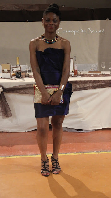 Cosmopolite Beauté, Cosmopolitan beauty, robe en taffetas, tenue de soirée, robe de soirée, robe de mariage, invitée mariage, alain manoukian, corail , robe corail,  nappy, cheveux crépus, naturalhair, naturalhaistyle