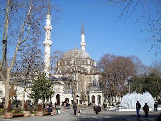 الأماكن السياحية اسطنبول الصور 26_11_2012_23_23_58eyupsultancami.jpg