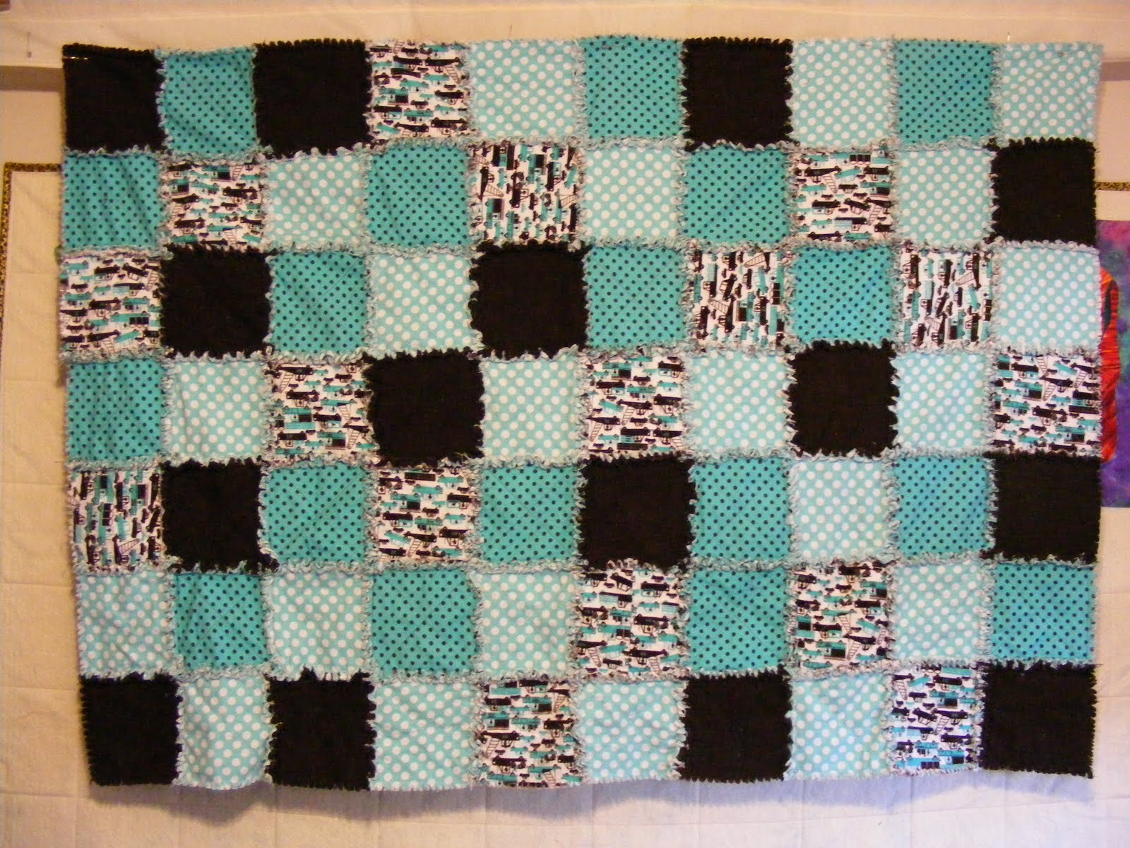 Twisted Rag Quilt Pattern Free : Rag Quilt Book Cake Ideas and Designs