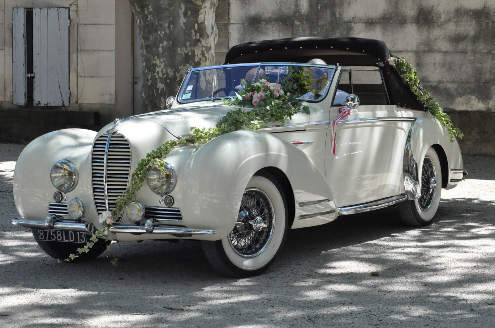 Voiture mariage on pinterest mariage wedding cars and cars for Decoration voiture mariage