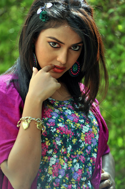 Beautiful Amala Paul HD Wallpaper