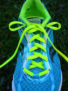 วิธีผูกเชือกรองเท้าวิ่ง