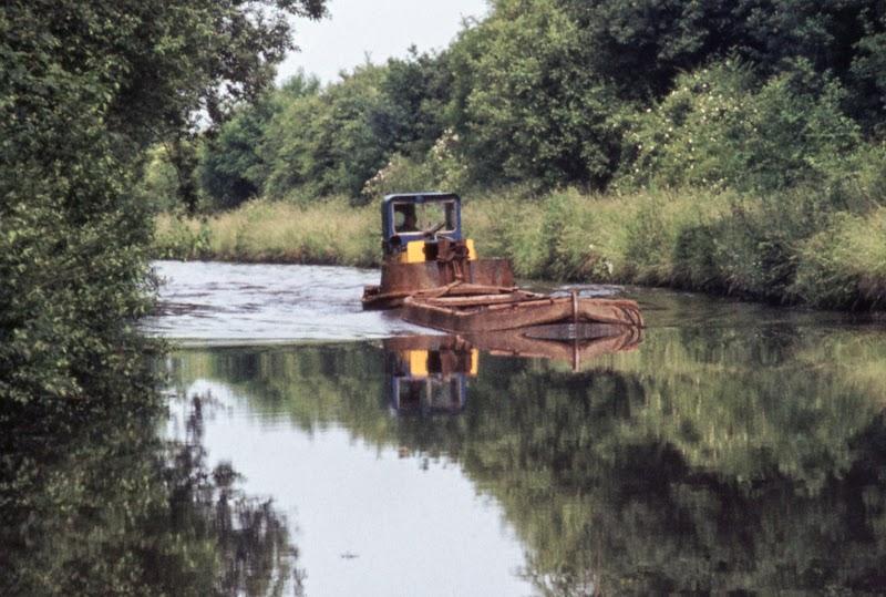 Dredging workboat