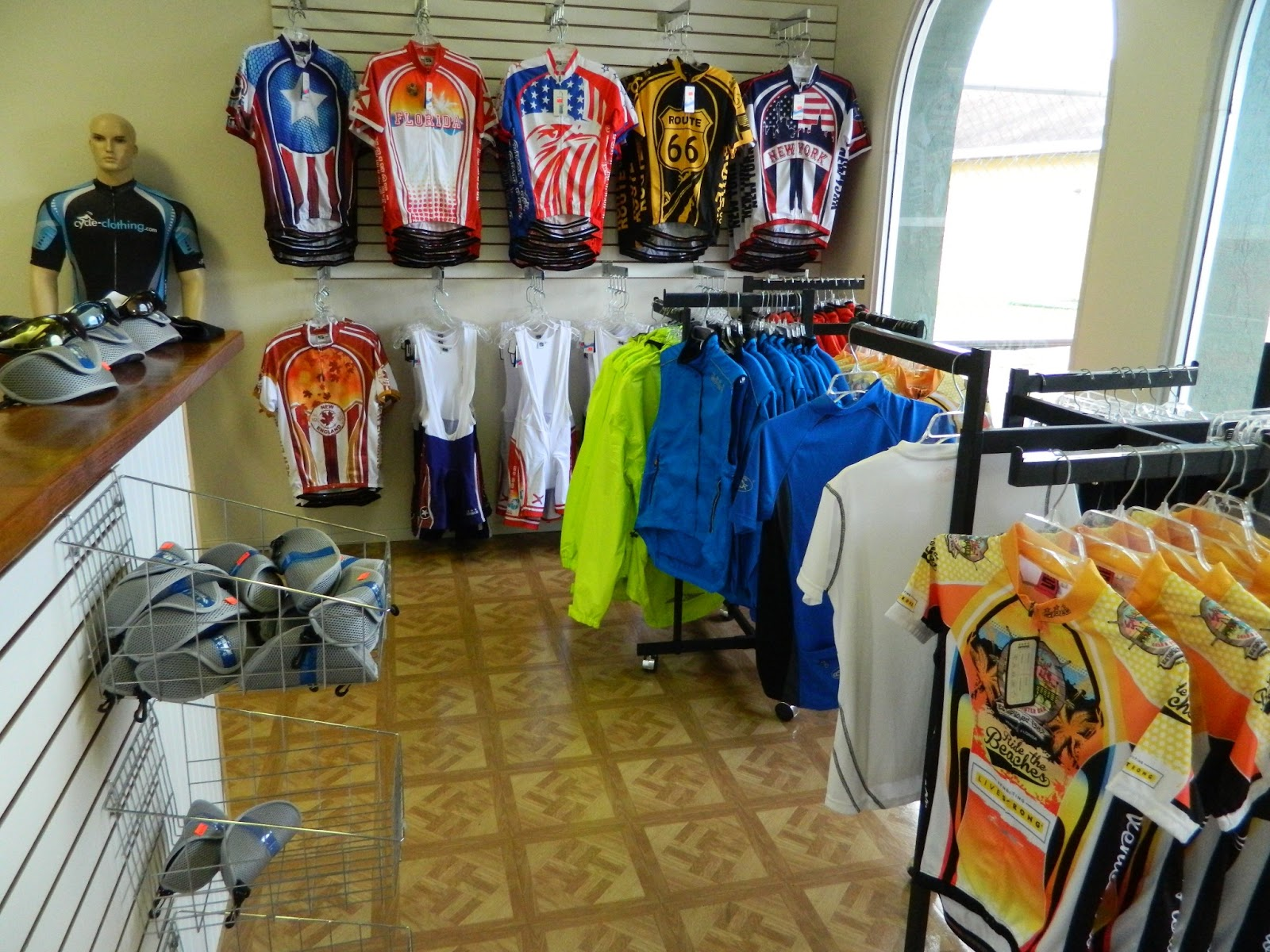 UK Cycle Clothing Opens Shop in Englewood