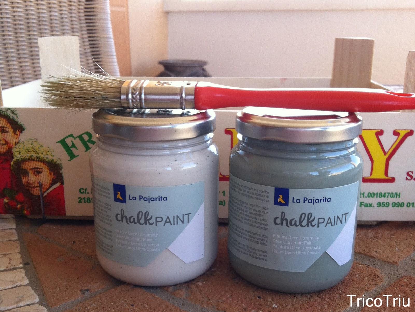 la pintura chalk paint se extiende con facilidad y es bastante cubriente pero yo he preferido darle una segunda capa para decorar la caja simplemente he - Cajas De Frutas Decoradas