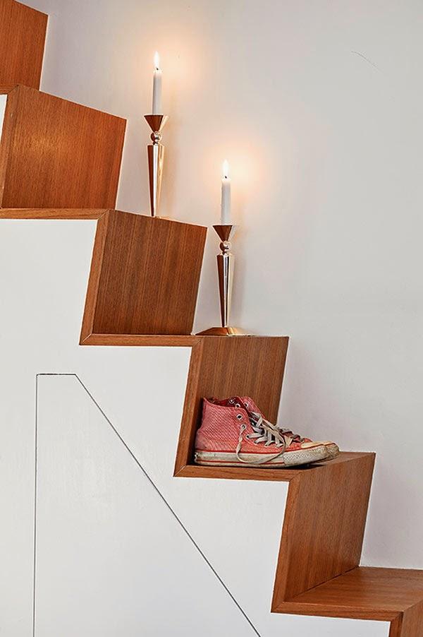 interior decorator Escadas que leva a cama do apartamento