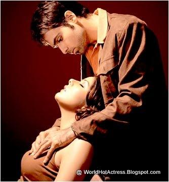 tanushree dutta boobs press boobs kiss topless song in unseen