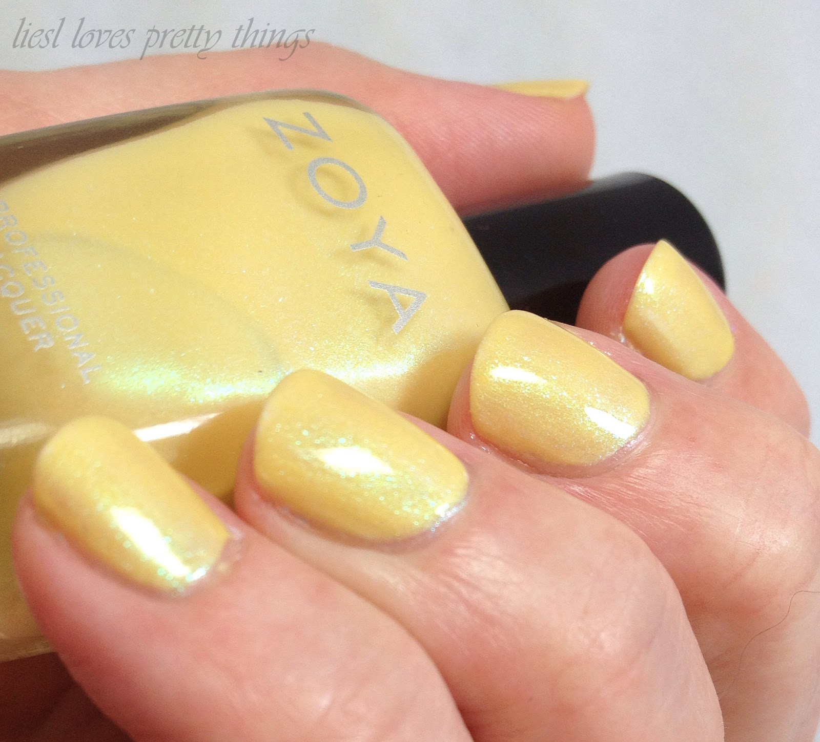Zoya Daisy swatch and review-- Delight 2015