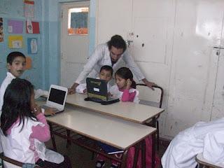 El maestro nos ayudó a encontrar los videos