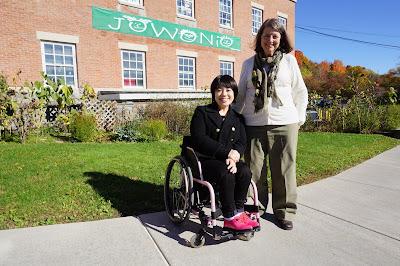 Mizuki outside Jowonio School