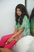 Sravya Latest photos Gallery-thumbnail-9