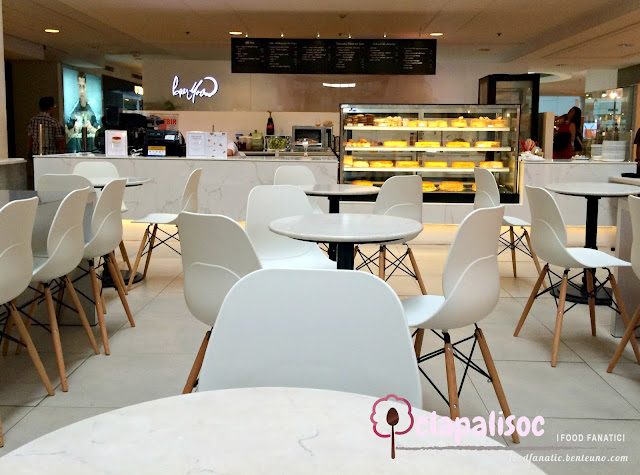 Paper Moon Cafe Glorietta