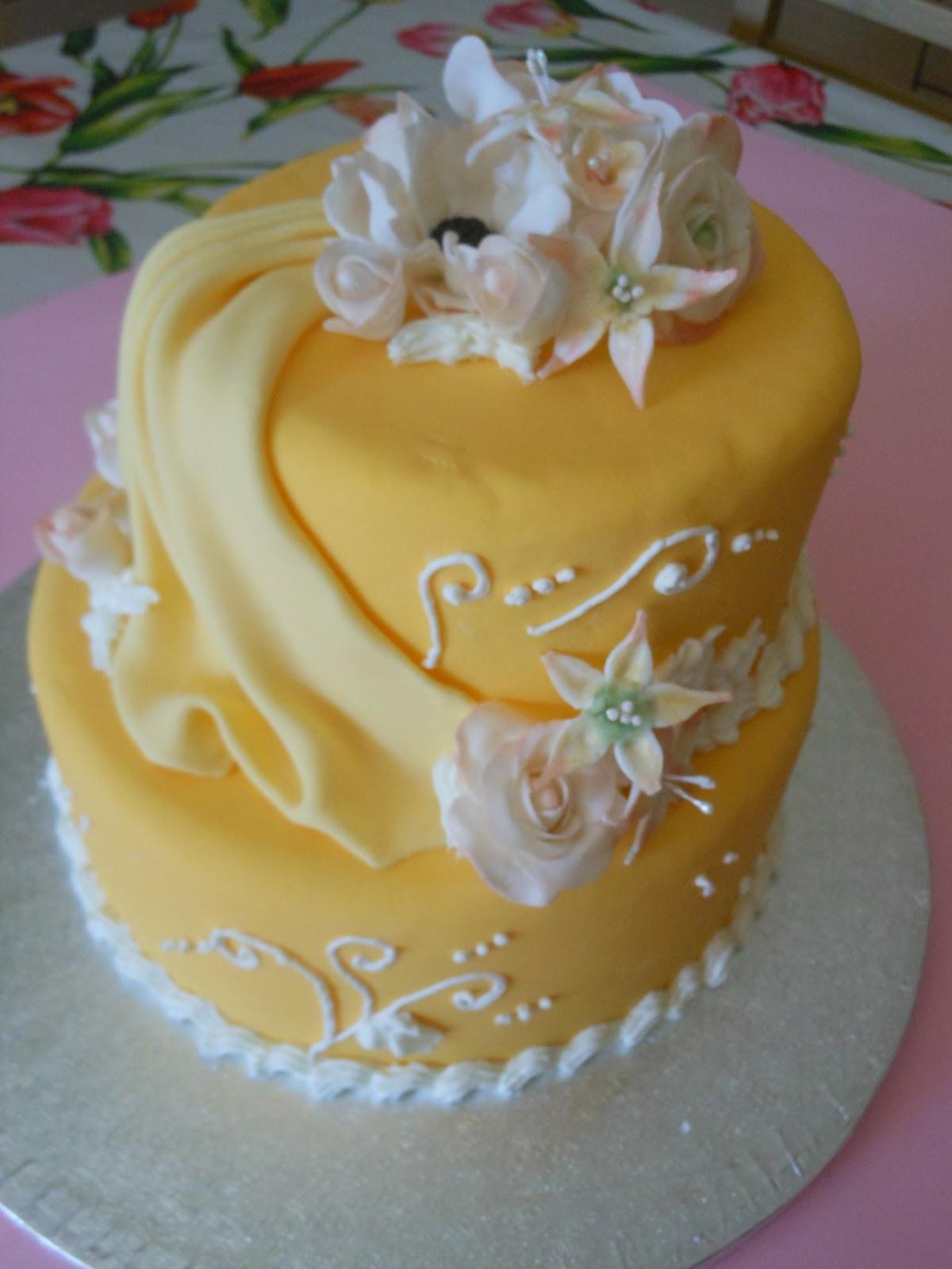 Dolci spignatti nuovo corso torta romantica a due piani for Piani a due piani