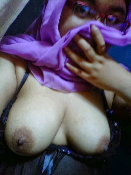 Tudung Comey melayu bogel.com