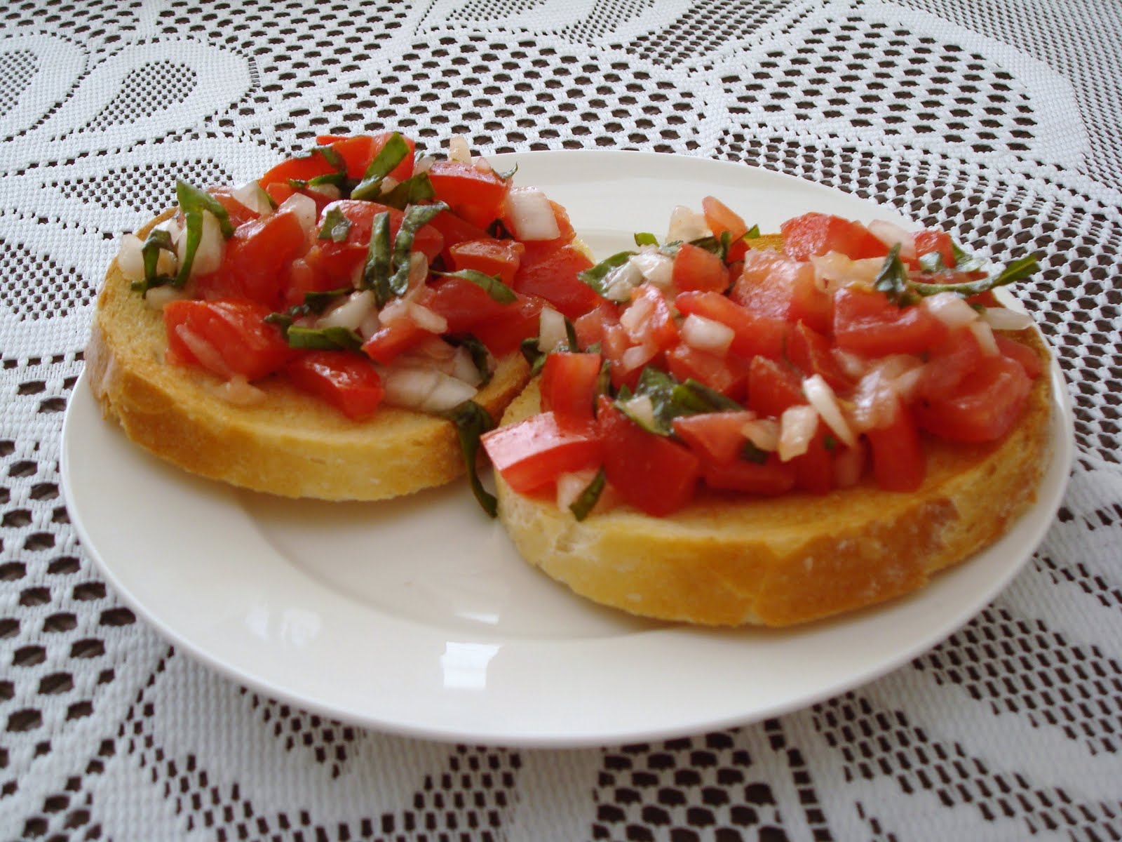 Fancy Tasty Food: Tomato and Basil Bruschetta