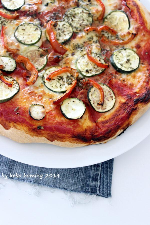 Pizza, Pizzateig, Pizzarezept, Gemüsepizza, american style, Südtiroler Foodblog