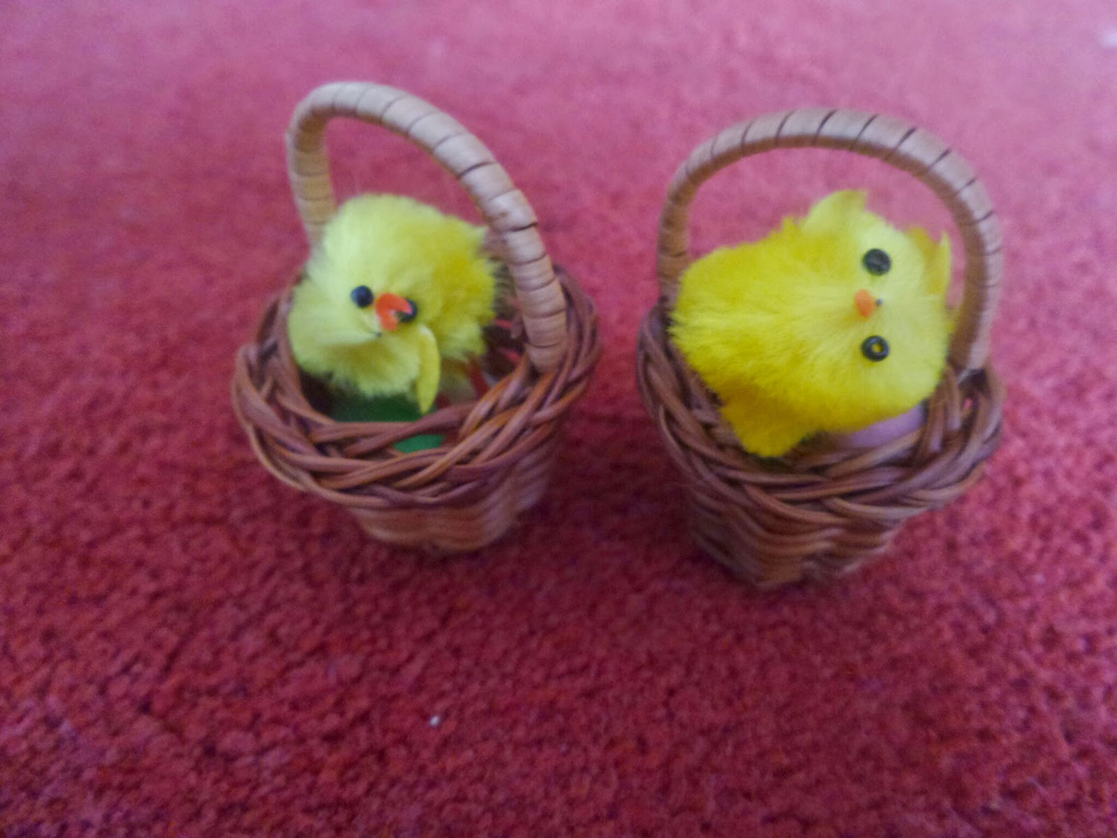 Two little Easter Chicks in Baskets