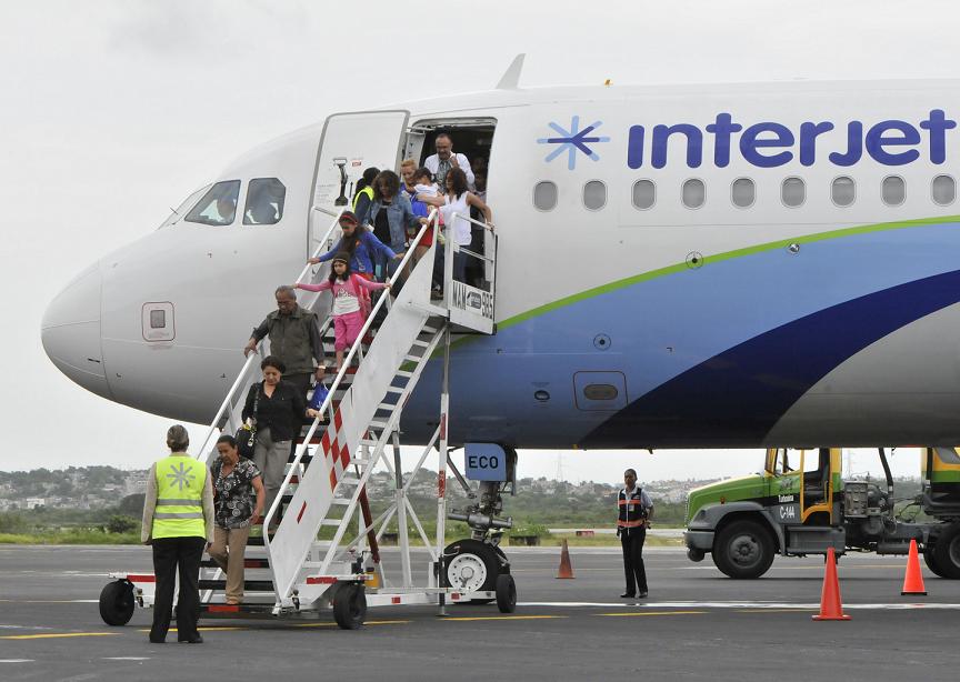 Guerra de tarifas recorta expectativas de Interjet