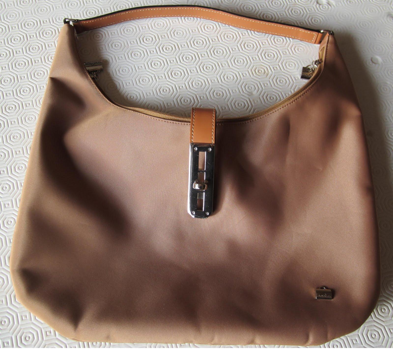 sac luxe dans vide dressing de Flora : LA BAGAGERIE - Sac à main
