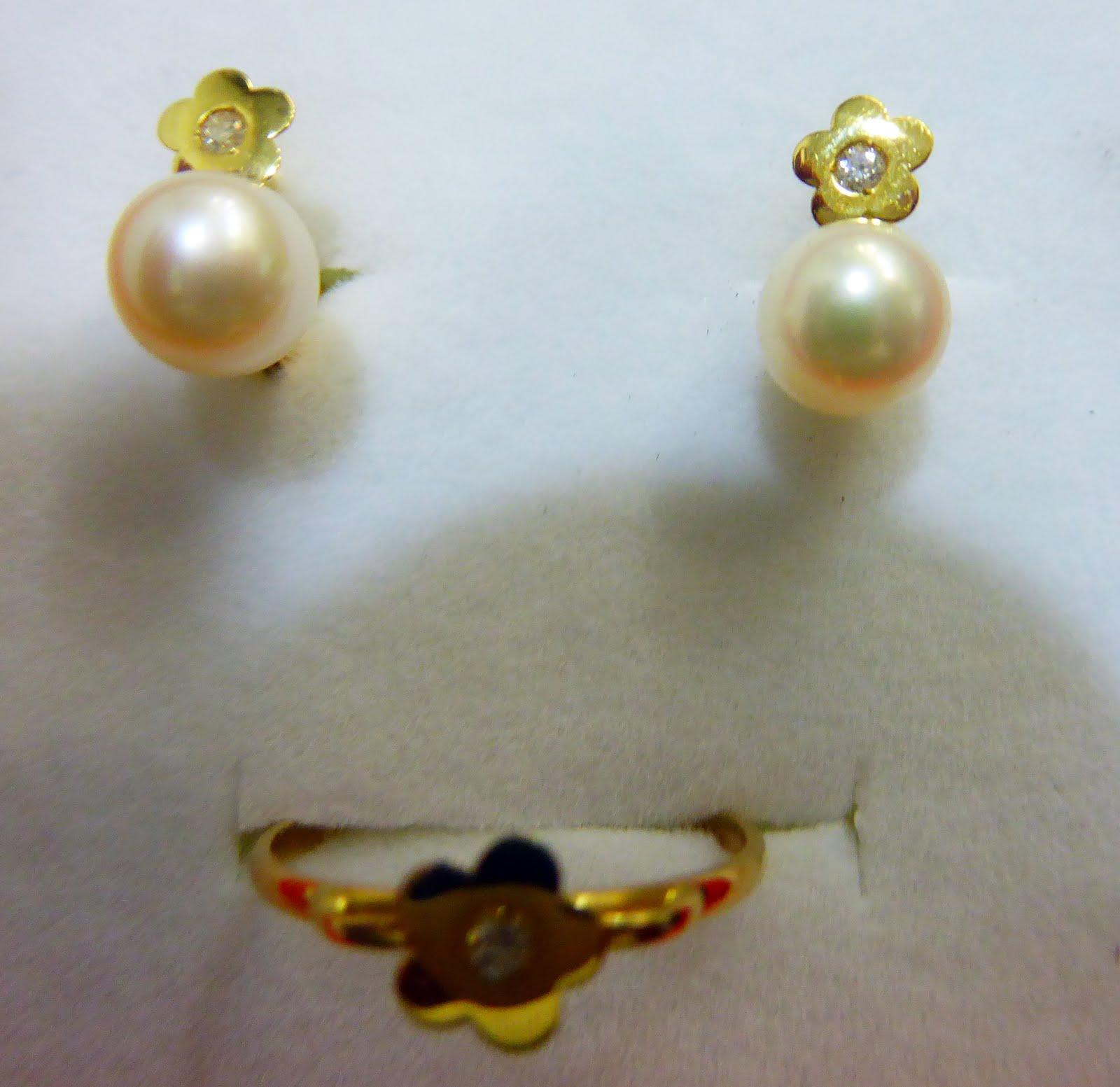 Juego pendientes de perla y circonita con cierre catalán