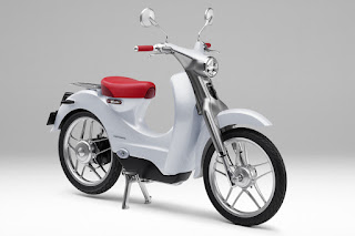 Honda EV-Cub Concept (2015) Front Side