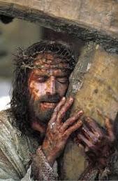 Deus dá prova do seu amor para conosco, em que quando éramos ainda pecadores, Cristo morreu por Nós
