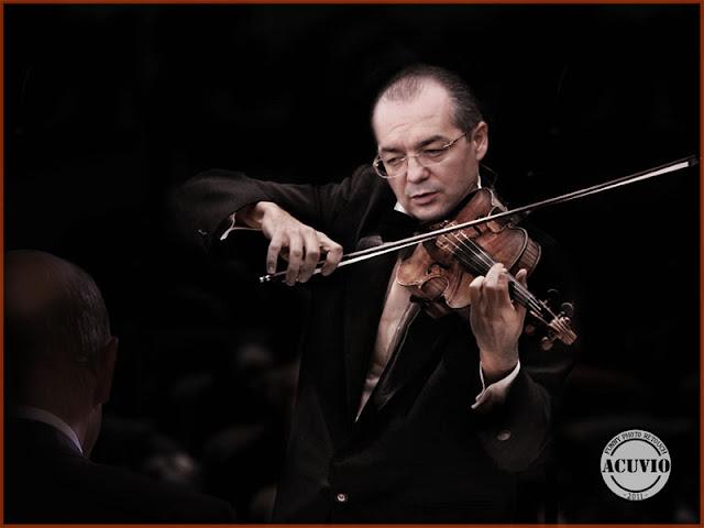 Funny photo Emil Boc muzica regelui