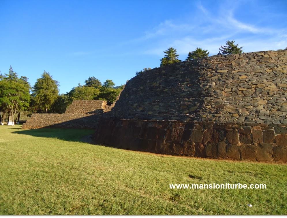 Zona Arqueologica de las Yacatas en Tzintzuntzan