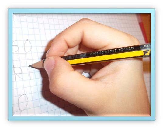 Impugnare penna correttamente