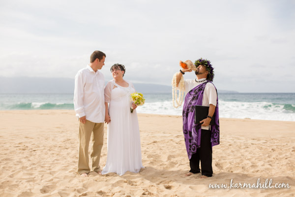 Maui Beach wedding with Reverend