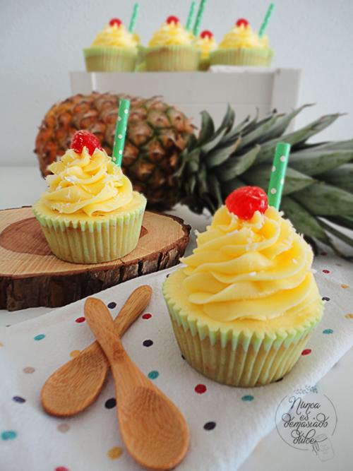 cupcakes-cupcake-piña-pinepple-colada-coctel-coco-coconut-malibu
