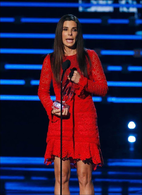 Sandra Bullock, Dakota, Johnny Depp: Winners at People's Choice Awards (Photos)