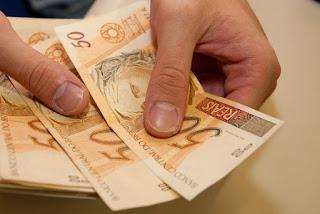 Salário mínimo de R$ 880 vale a partir de hoje