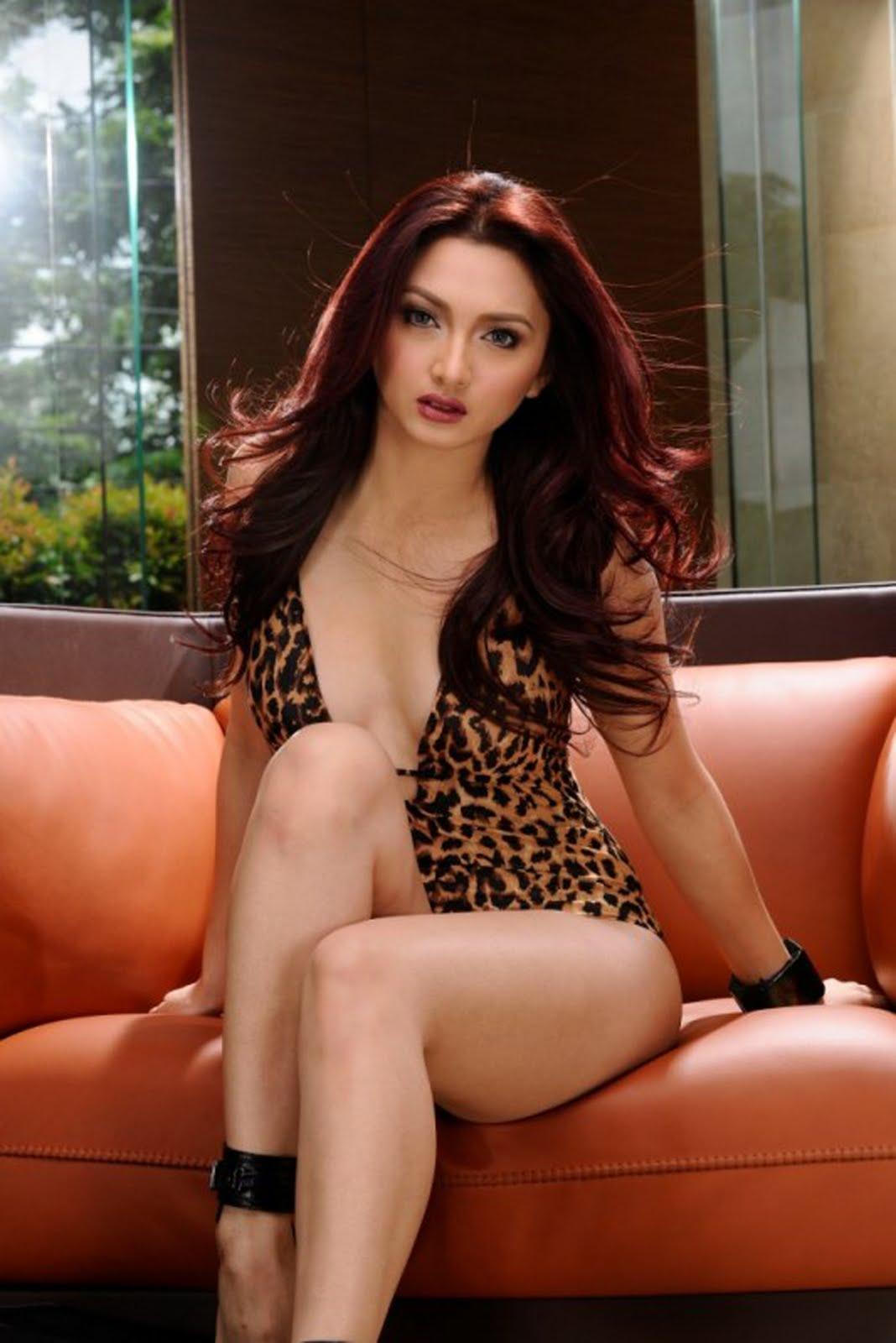 iya villania sexy tanduay calendar photo 01