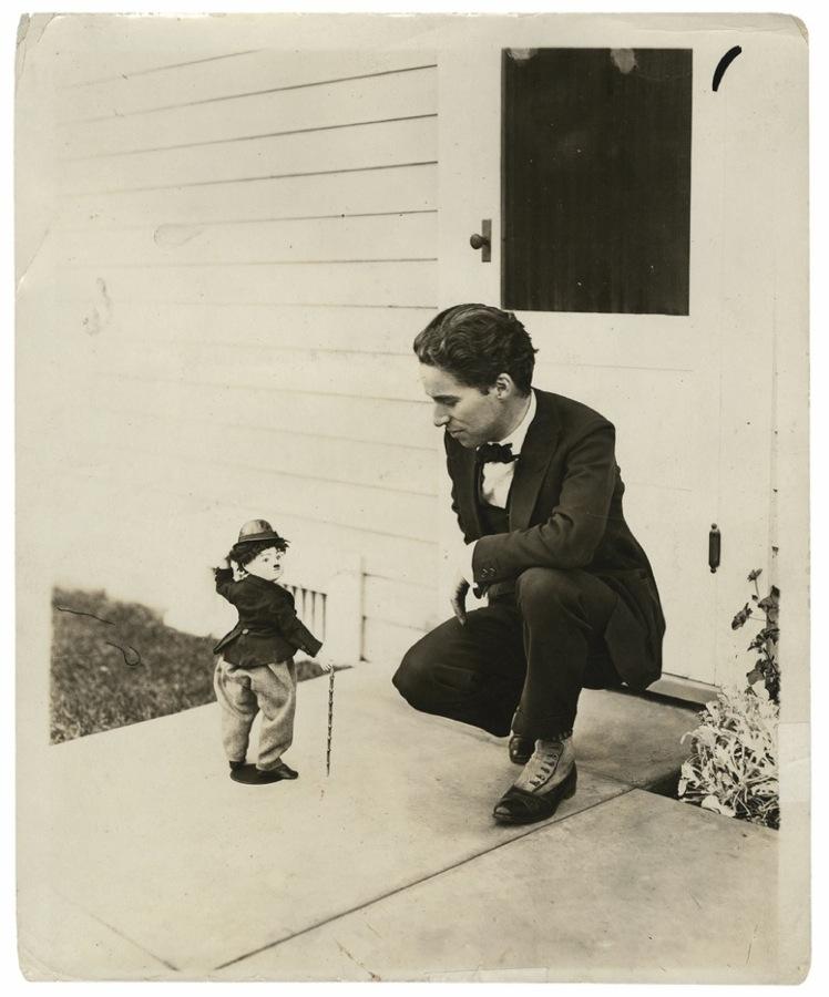 File:Charlie Chaplin w...
