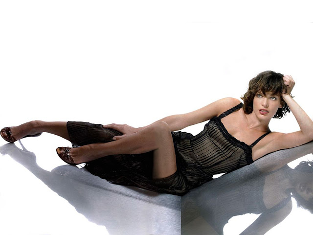 Hot Milla Jovovich S Wallpapers World Amazing Wallpapers