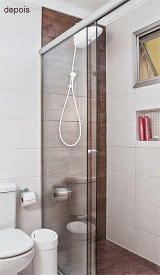 12 Banheiros e lavabos com porcelanato que imita madeira!!  Jeito de Casa   -> Decoracao Banheiro Madeira