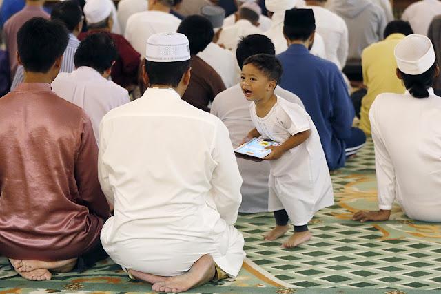 Ramadan Mubarak Cards and Picture